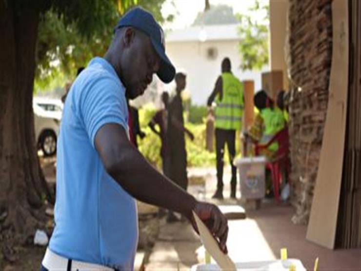 غينيا تنتخب رئيسًا وسط مخاوف من اندلاع أعمال عنف