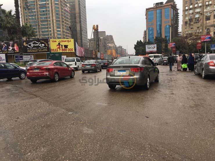 مع بدء موسم الأمطار.. كيف يمكن قيادة السيارة في هذه الأجواء دون مخاطر؟