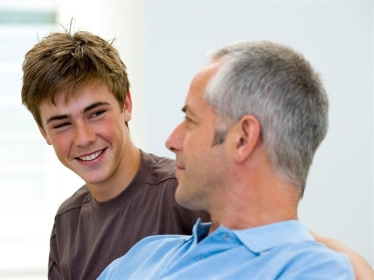 الأزهر للفتوى: حُسْن تربية الأبناء حق على الآباء ومن أسباب الفوز في الآخرة