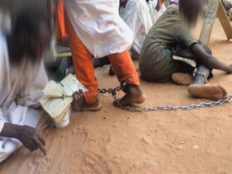 آلاف الصبية يعذبون ويكبلون بالسلاسل في مدارس إسلامية في السودان