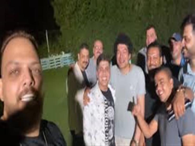 بعد أزمتهما الأخيرة.. جلسة صلح بين باسم سمرة وعمر كمال برعاية الأصدقاء (فيديو)