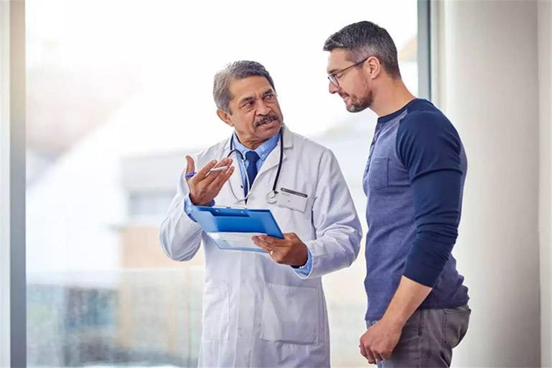 أبرزها قياس ضغط الدم.. 8 فحوصات ضرورية لصحتك بعد سن الأربعين