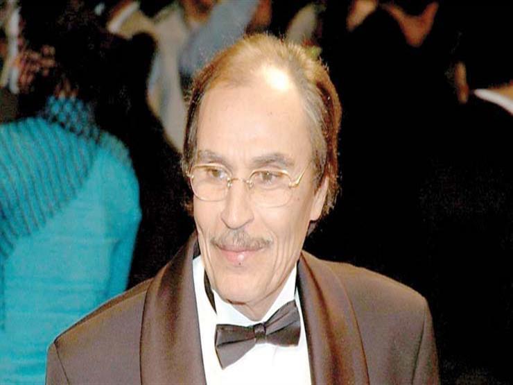عزت العلايلي: أنا وحسين فهمي كنا بناخد اللي ميشتغلوش محمود ياسين