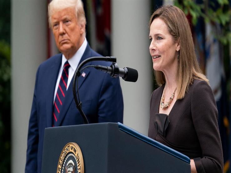 البيت الأبيض يخطط للاحتفال بتعيين مرشحة ترامب بالمحكمة العليا