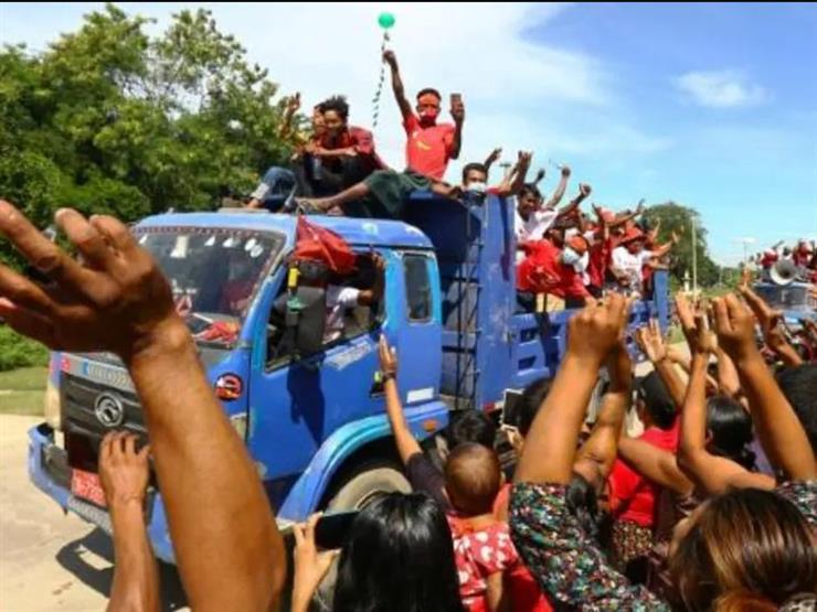 التظاهرات تتواصل في بورما رغم سقوط أكثر من 700 قتيل مدني منذ الانقلاب