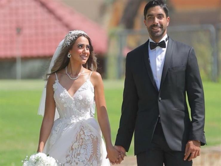 """هند عبدالحليم وزوجها بأزياء جذابة في """"الجونة"""""""
