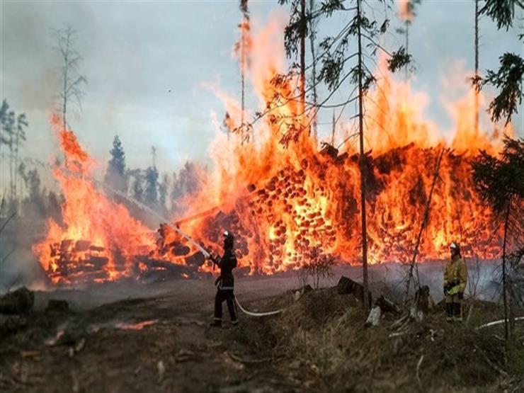 عمليات اجلاء جراء تواصل حرائق الغابات في كاليفورنيا