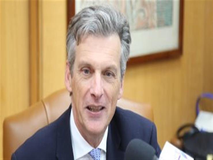 نائب وزير الإسكان يبحث مع السفير البريطاني التعاون في مجالات مياه الشرب والصرف الصحي