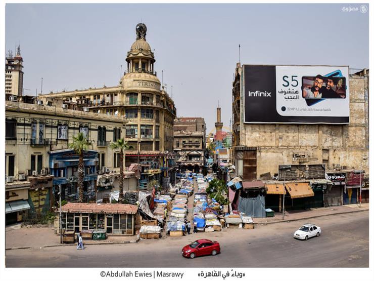 «تجارة في قبضة الوباء».. زحام العتبة يتحول إلى فراغ بسبب كوفيد 19 (قصة مصورة)