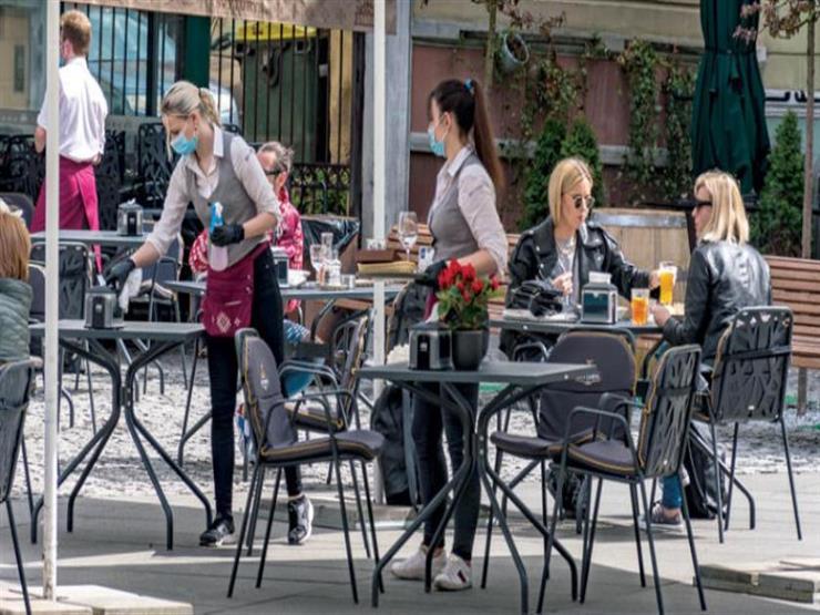 كورونا: التواصل الاجتماعي في المطاعم والمقاهي ببريطانيا سبب 30٪ من الإصابات الجديدة
