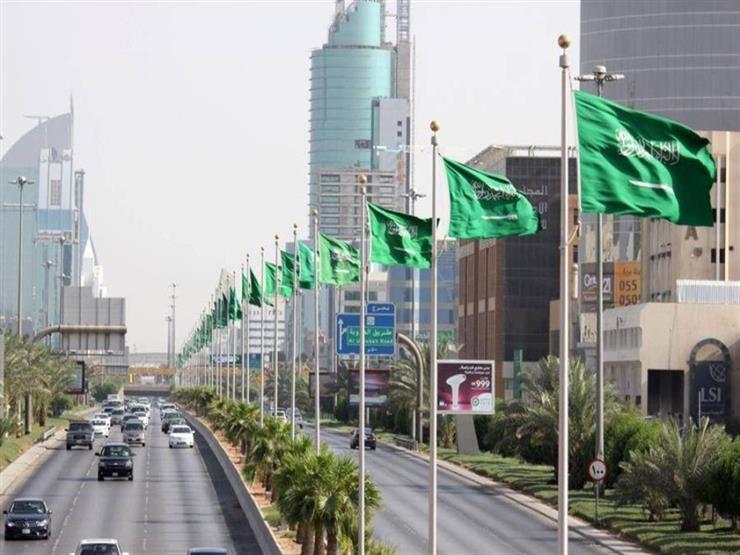 كيف يستفيد المصريون في السعودية من نظام عقود العمل الجديد؟
