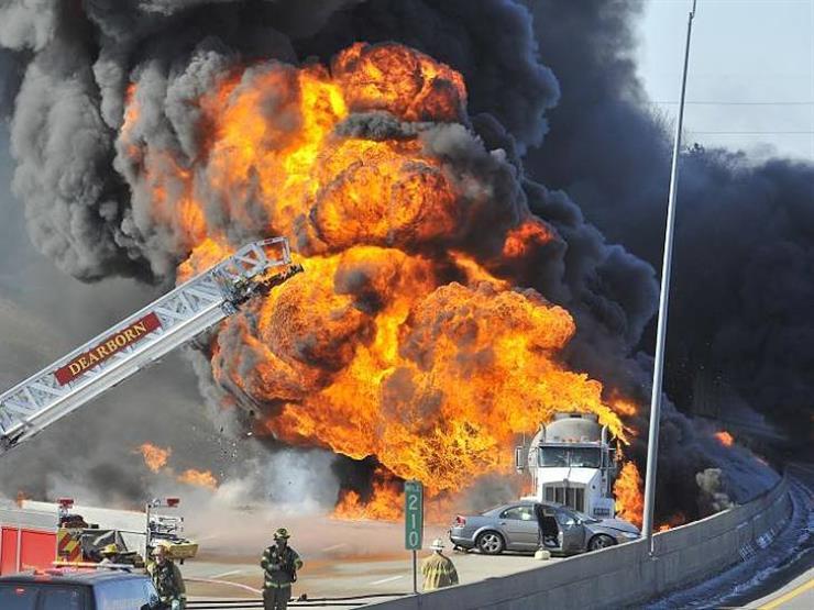 """ما التصرف الآمن عند اشتعال النيران بالسيارة؟ """"خبراء يجيبون"""""""