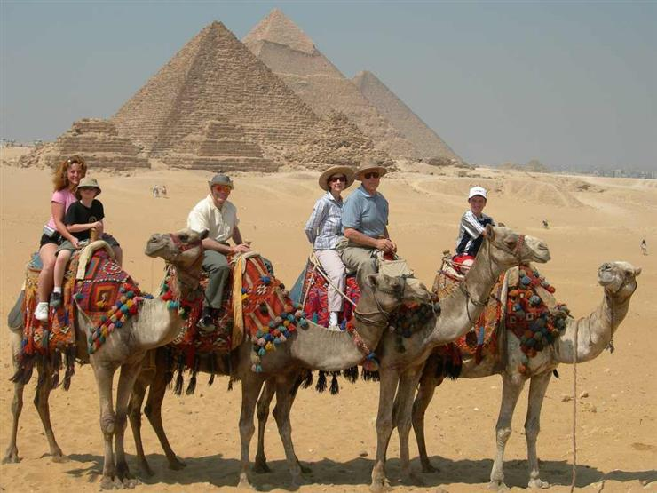 تقرير: 18 مليار دولار خسائر مصر من السياحة العام الجاري بسبب كورونا