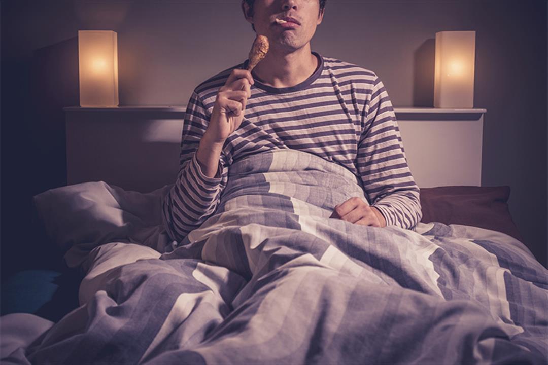 لإنقاص الوزن.. 5 أطعمة تناولها قبل النوم (صور)