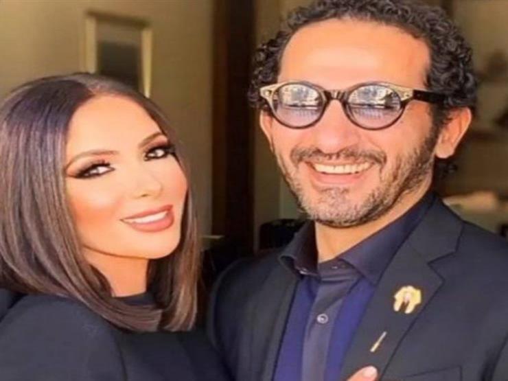 بالصور.. موقف طريف جمع بين أحمد حلمي ومنى زكي