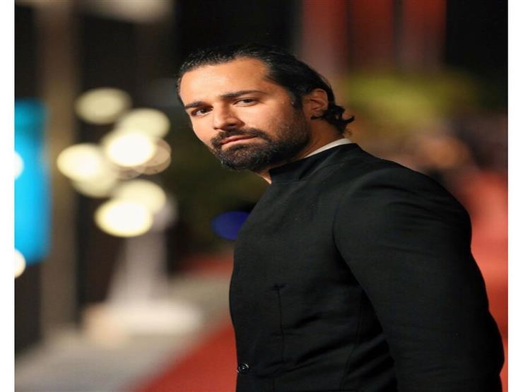أحمد حاتم رفقة ابنة أحمد زاهر: ممكن اعتبرها بنتي