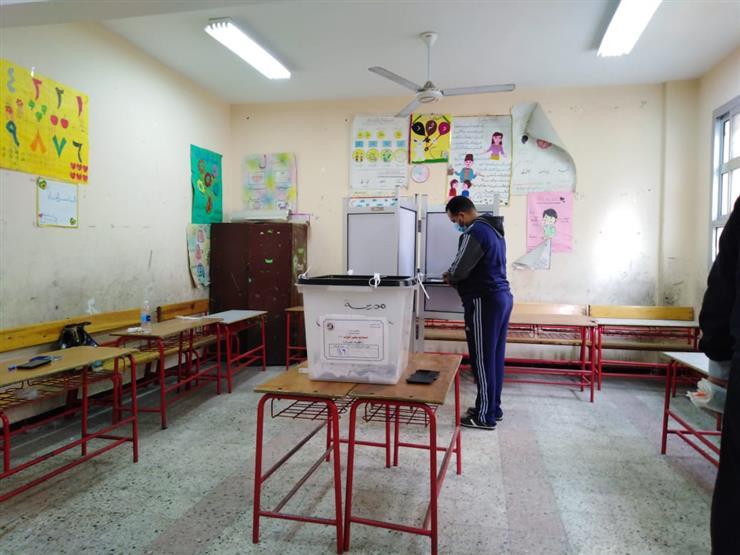 أستاذ علوم سياسية: لا يوجد تدخل من أي جهة بالدولة في انتخابات البرلمان