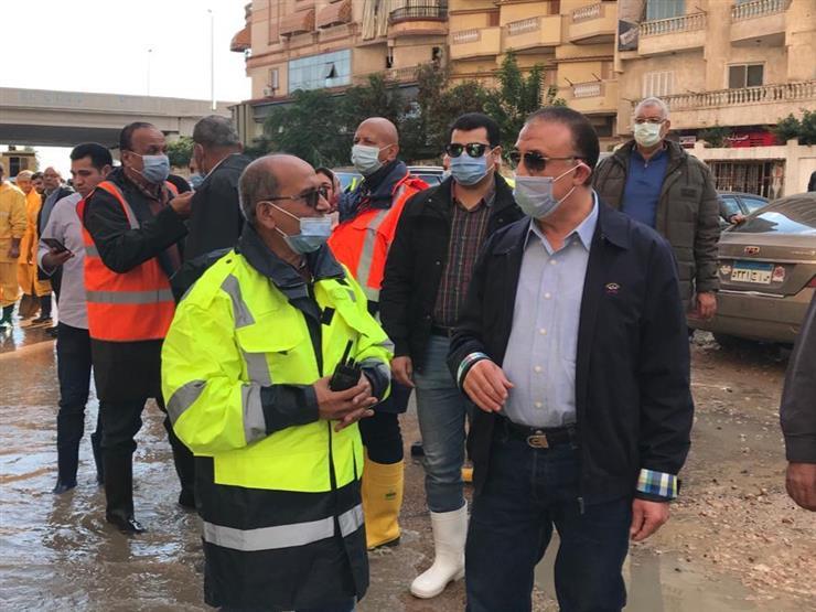 محافظ الإسكندرية: تعاملنا مع الأمطار الغزيرة ولم يتوقف أي طريق رئيسي