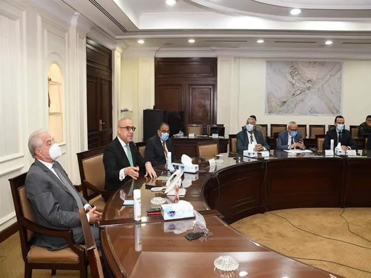 """وزير الإسكان ومحافظ جنوب سيناء يستعرضان """"التجلي الأعظم"""" بسانت كاترين"""