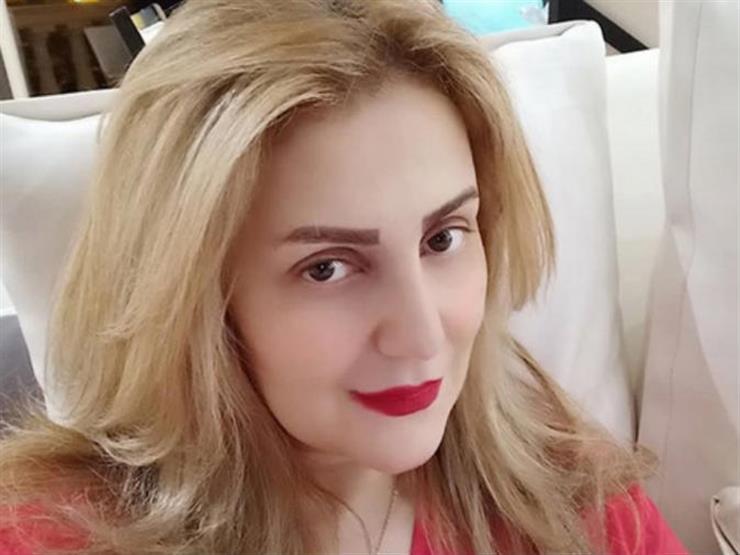 رانيا محمود ياسين تكشف عن آخر صورة عائلية لوالدها