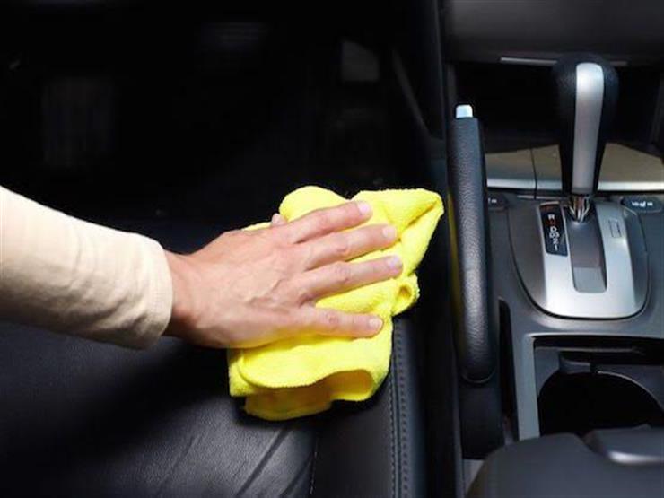 """نصائح مهمة للتخلص من الاتساخات """"العنيدة"""" في مقصورة السيارة الداخلية"""