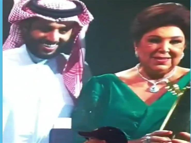 ابنة رجاء الجداوي تنشر صورة لوالدتها الراحلة مع تركي آل الشيخ