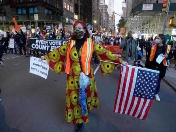 مؤيّدون لبايدن يتظاهرون في نيويورك ومناصرون لترامب يحتجّون في ديترويت