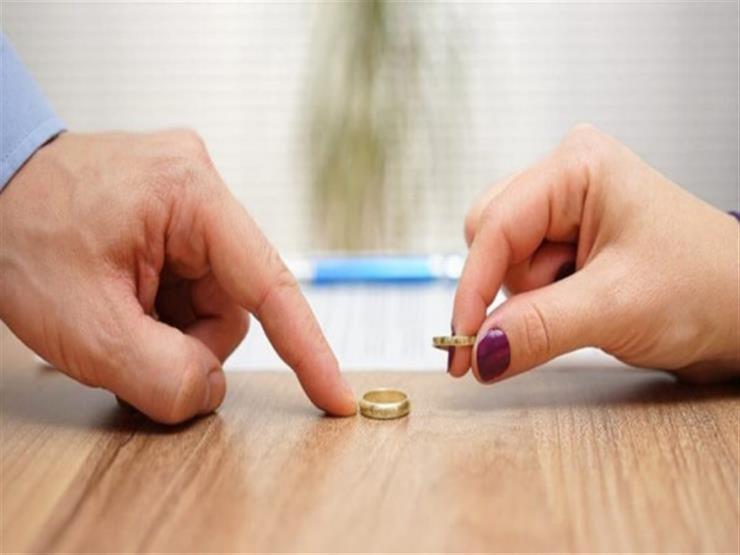 شريف يطلب فسخ عقد الزواج: مراتي بدلت الشبكة وأخذت فرق الفلوس