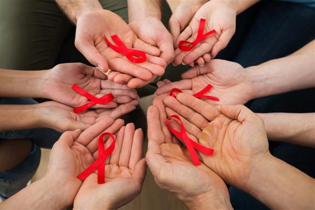 كيف تتعايش بشكلٍ آمن مع مريض الإيدز؟