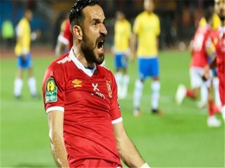فرحة موسيماني ورقص معلول في احتفالات الأهلي بالتأهل لنصف نهائي الأبطال (فيديو)