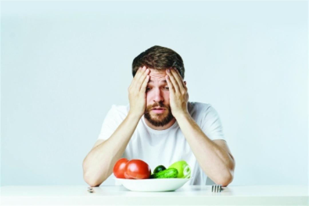 أحدهم يدفعك لتناول مواد غريبة.. 5 أنواع مختلفة من اضطرابات الطعام (صور)