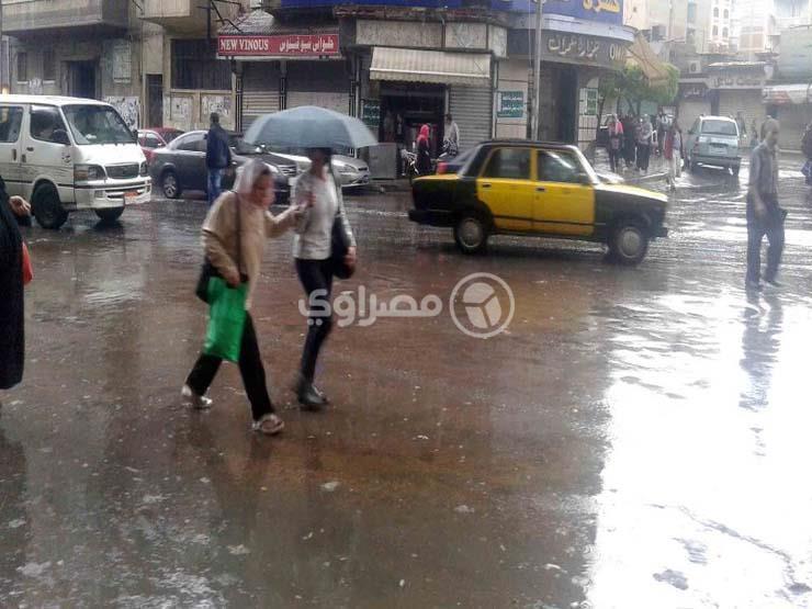 عودة الأمطار والشبورة المائية.. الأرصاد تعلن طقس 3 أيام مقبلة