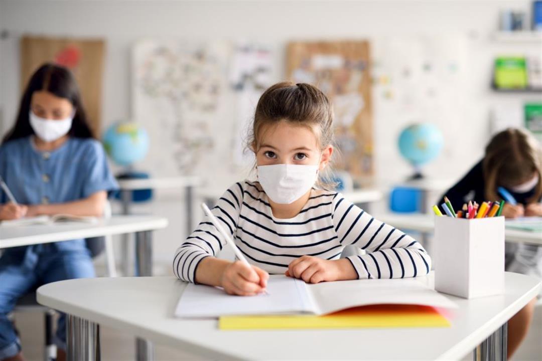 ترغبين في ذهاب طفلِك للمدرسة؟.. دليل وقائي شامل لحمايته من كورونا