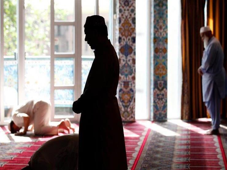 أحمد ممدوح: قراءة ما تيسر من القرآن بعد الفاتحة في الصلاة ليس واجبًا