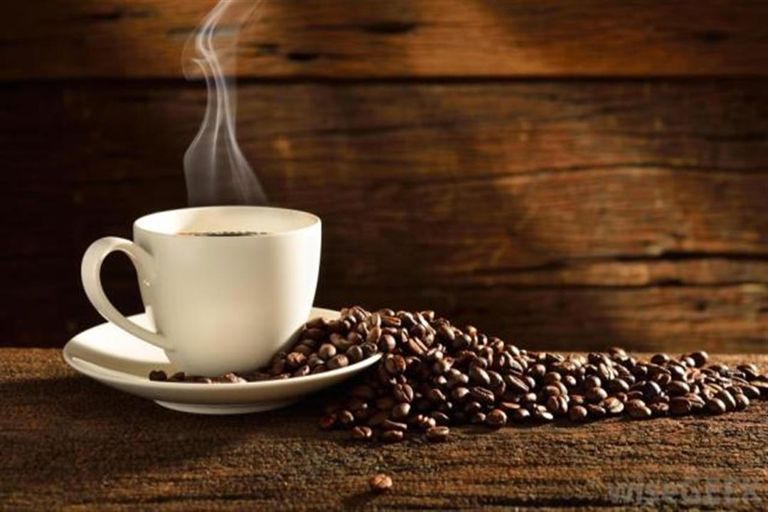 منها الإرهاق والتوتر.. أضرار متعددة للإفراط في تناول القهوة (إنفوجرافيك)