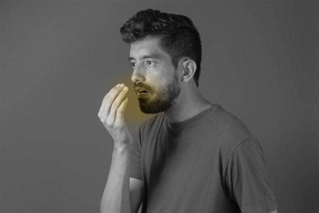 منها الكيتو دايت.. 5 أسباب غير متوقعة لرائحة الفم الكريهة