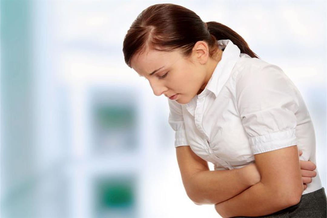 تعانين من آلام القولون العصبي أثناء الدورة الشهرية؟.. دليلك للتغلب عليها