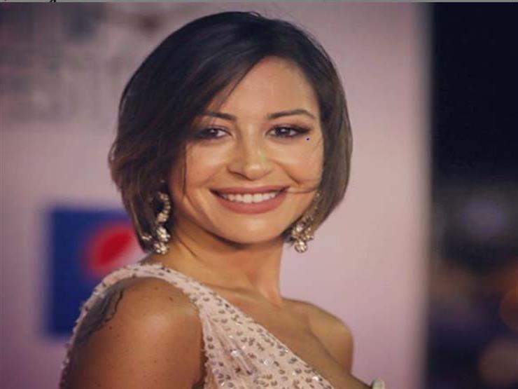 """أول تعليق لـ منة شلبي بعد ترشيحها لجائزة """"إيمي"""" كأفضل ممثلة"""