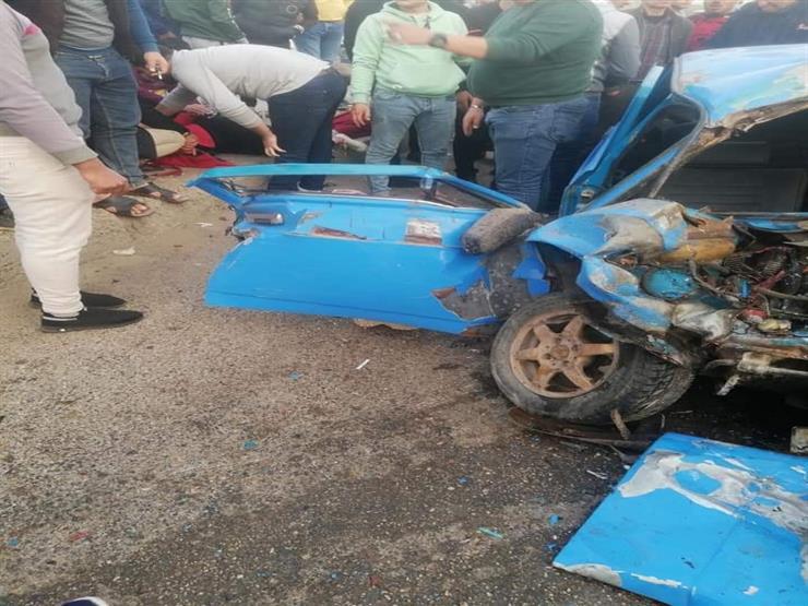 ١٤ مصابًا بينهم عروسان في تصادم ميكروباص بسيارة ملاكي في المنصورة