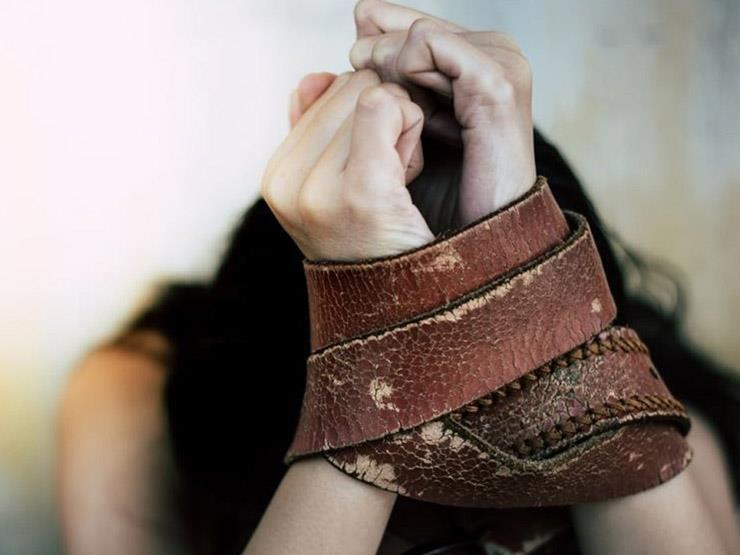 """قصة ناشطة إيرانية """"عُذبت 1200 ساعة"""" لتعترف بأنها """"جاسوسة"""""""
