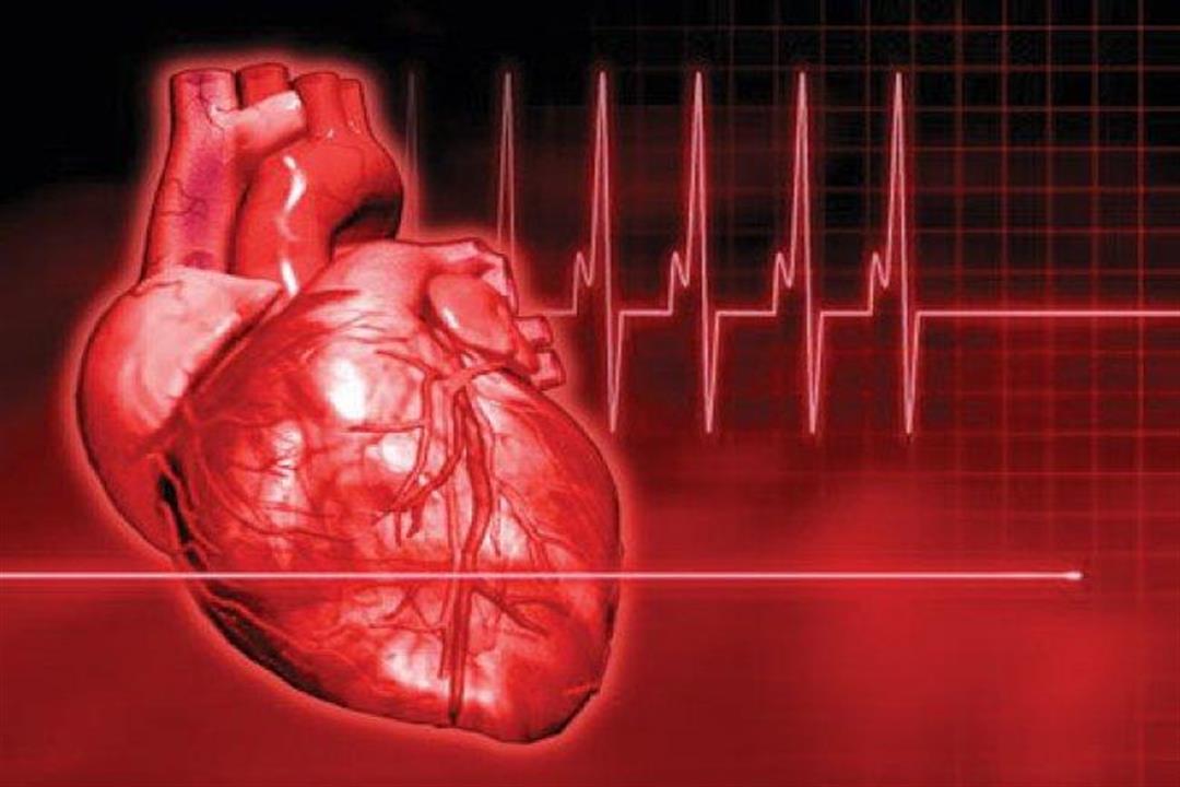 منها التعرق المستمر وألم المعدة.. علامات تنذر بالإصابة بنوبة قلبية