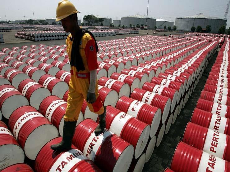 البترول يسجل 75 دولارًا للبرميل لأول مرة منذ أكثر من عامين