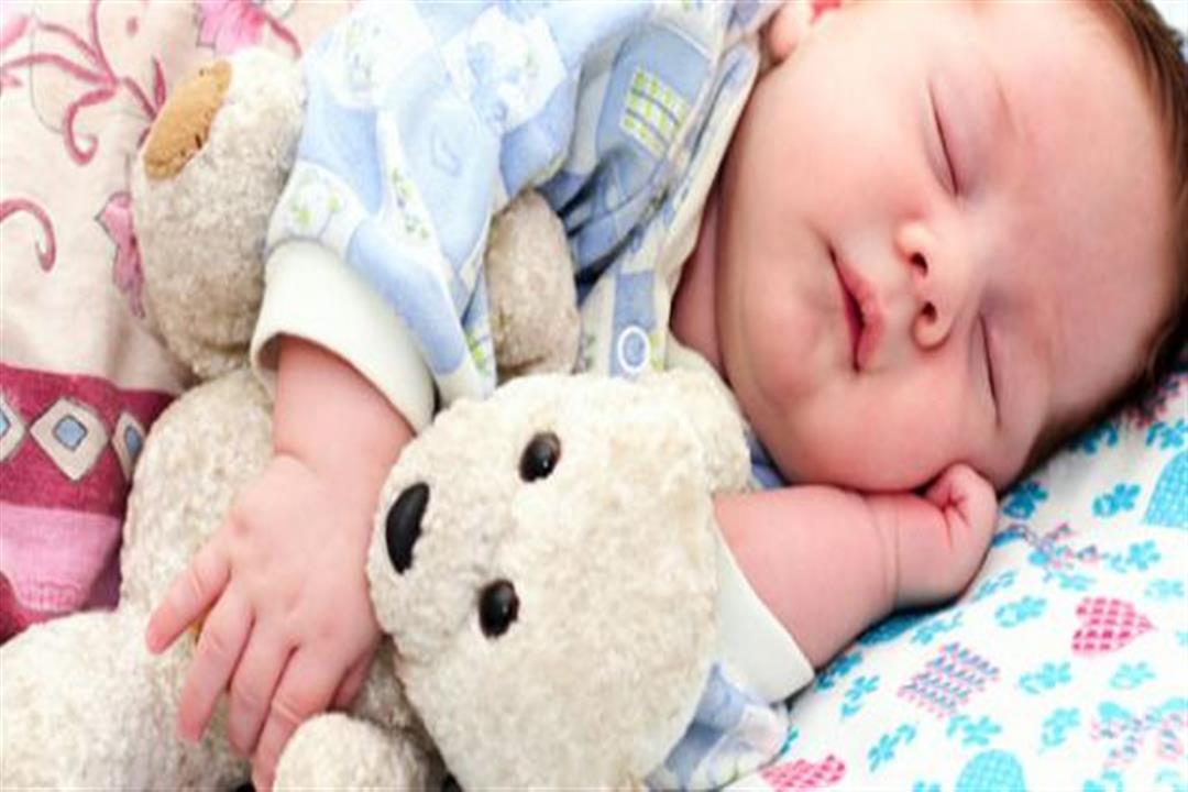 طفلك يعاني من اضطرابات النوم؟.. إليك الأسباب وطرق التخلص منها