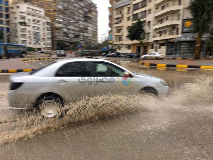 """""""بعد السيول والعاصفة"""".. خطوات لتنظيف السيارة المتضررة من الأمطار"""
