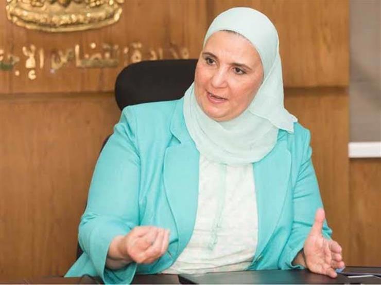 وزيرة التضامن تكشف أسباب الزحام أمام مكاتب البريد والبنوك لصرف المعاشات