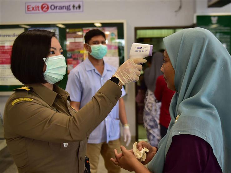 """لا تسترخوا.. إصابة 40 عامل صحي بكورونا في ماليزيا بعد """"جرعتي لقاح"""""""