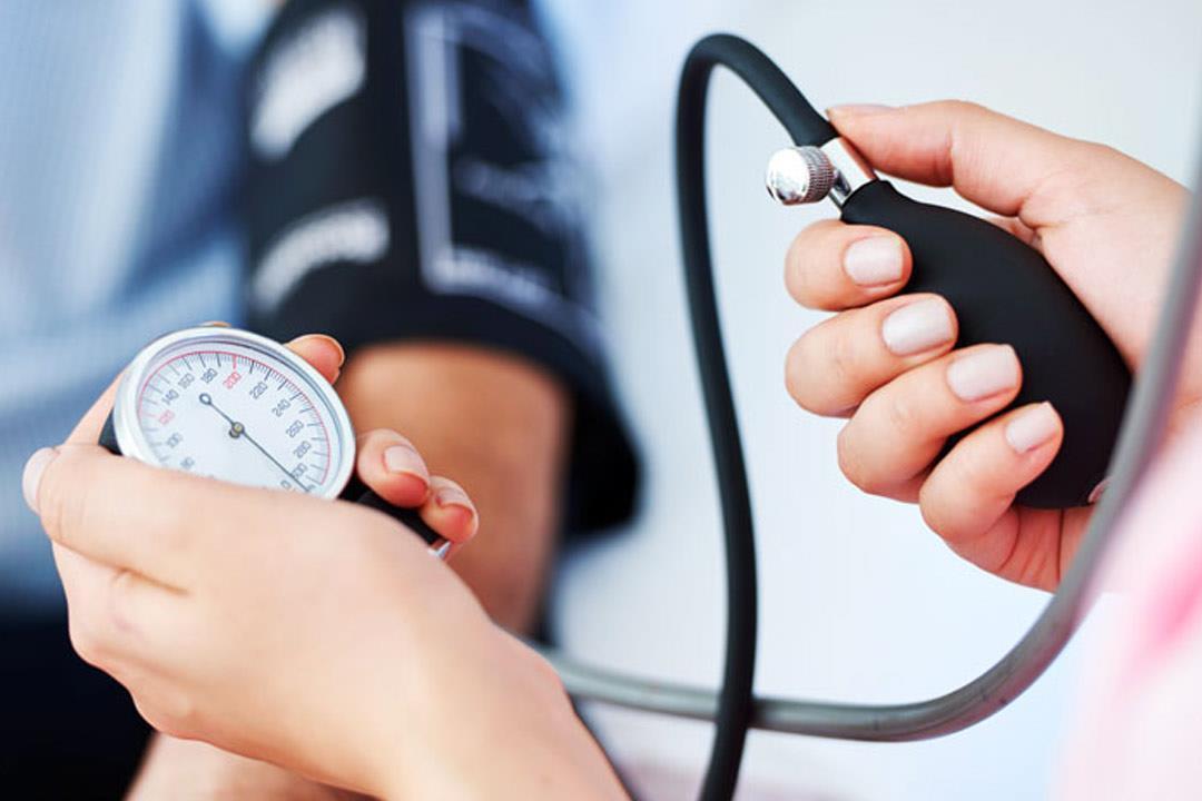 انخفاض ضغط الدم.. إرشادات تساعدك على التغلب عليه
