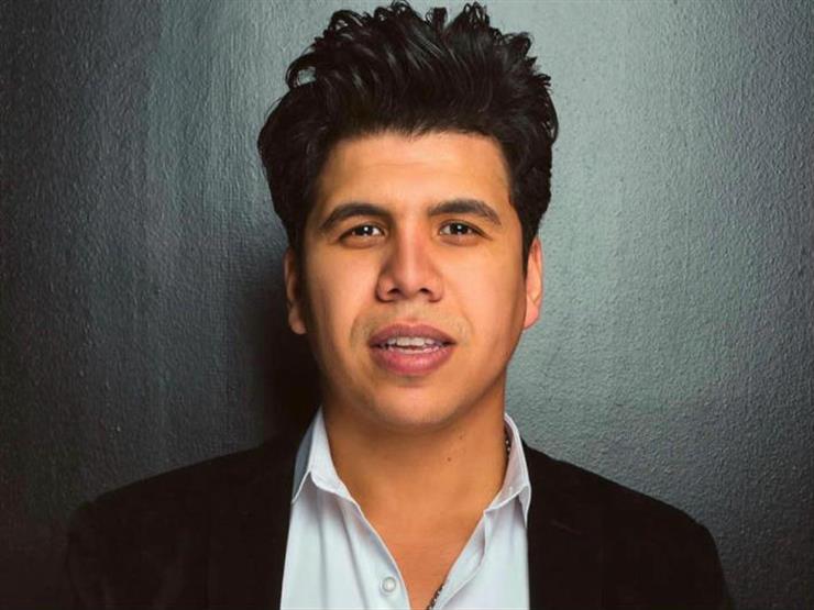 """عمر كمال عن غنائه في الملاهي الليلية بعد الأشرطة الدينية: """"حياتي برضه نضيفة"""""""
