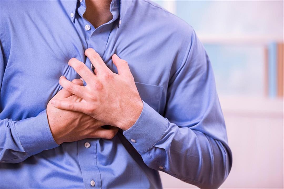 أعراضه شبيهة للنوبة القلبية.. إليك أسباب تشنج المريء وطرق علاجه