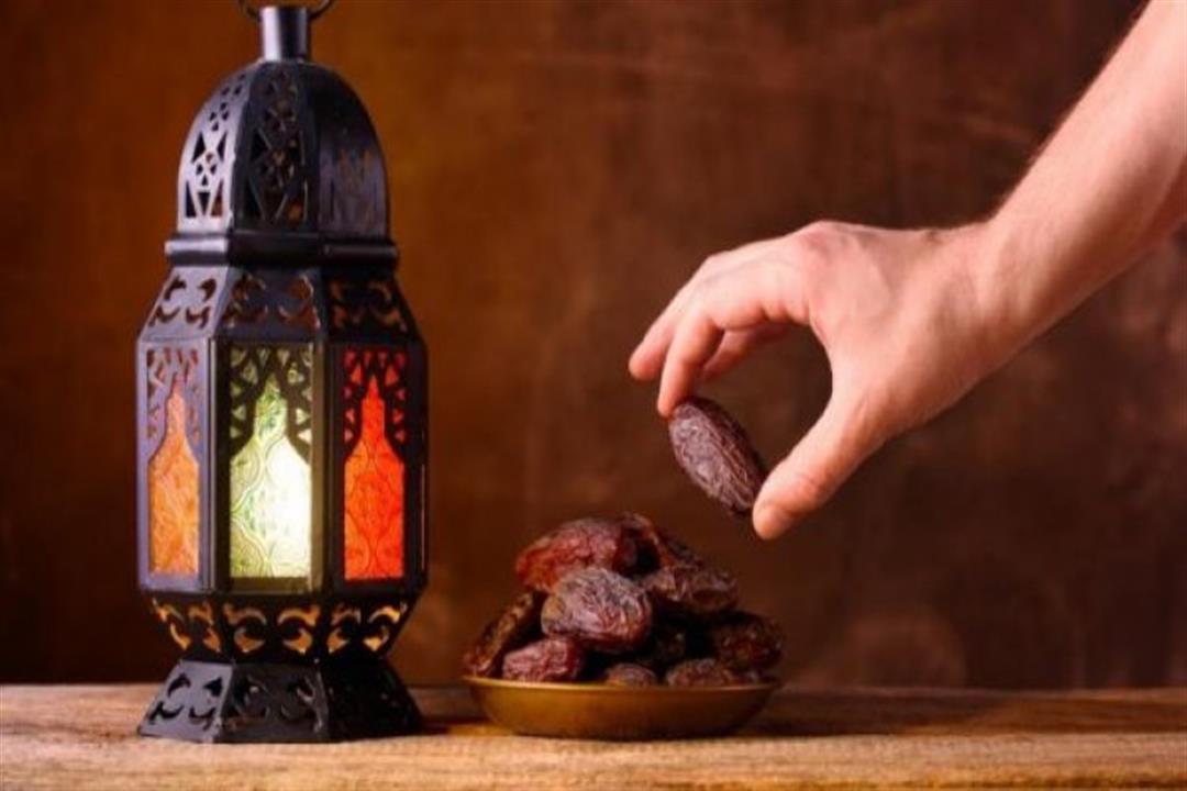 موعد أذان المغرب ليوم 17 من رمضان.. ودعاء الرسول عند الإفطار